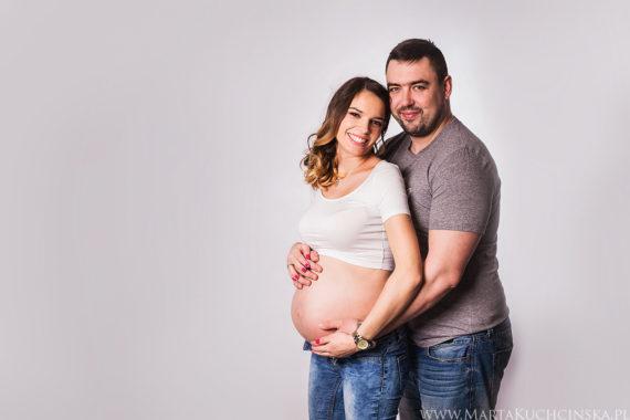 Studyjna sesja ciążowa Poznań